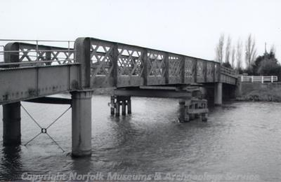 Ten Mil Bank Bridge, demolished June 2004.