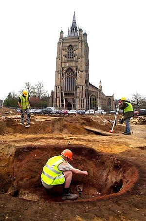 An NAU excavation on the site of the Millenium Library in Norwich in 2001