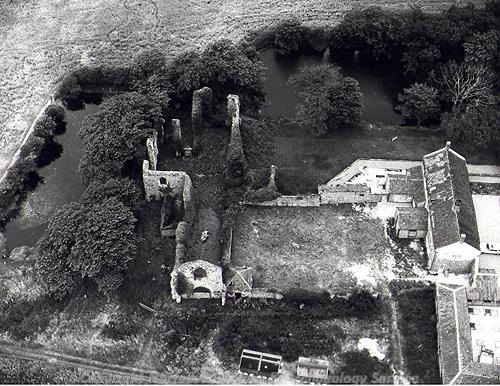 Aerial photograph of St Mary's Augustinian priory, Beeston Regis.