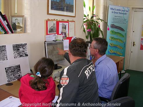 Piet Aldridge (NLA) demonstrating the Norfolk Historic Environment Record to visitors during the History Fair at Gressenhall Farm and Workhouse in May 2006.