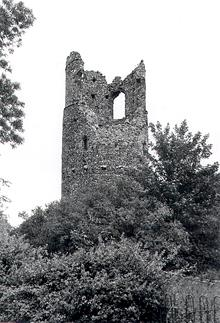 Photograph of the ruins of the tower of St Mary's Church, Kirby Bedon.