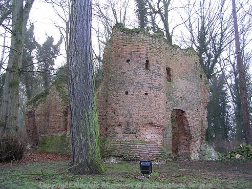photograph of Drayton Lodge, a ruined medieval house.