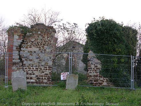 Photograph of the ruins of old St Mary's Church, Southery.