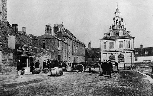 Photograph of The Customs House, King's Lynn. From Picture Norfolk.