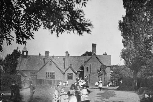 Photograph of Hethersett National School, now Hethersett Middle School. From Picture Norfolk.