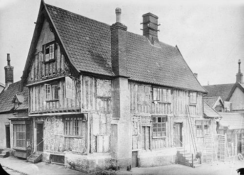 Photograph of the Dolphin Public House, Diss. From Picture Norfolk.