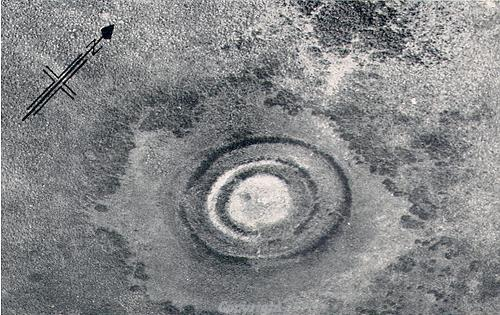 Aerial photograph of an undated earthwork in East Wretham.