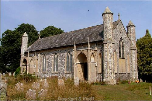 Photograph of St Margaret's Church, Thorpe Market. Photograph from www.norfolkchurches.co.uk