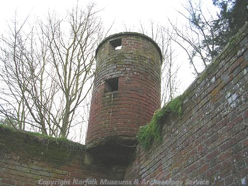 Photograph of an owl house in Mornton on the Hill.