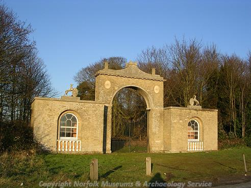 Photograph of the Chedgrave gate to Langley Park.