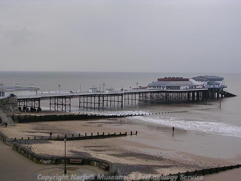 Photograph of Cromer's pier.