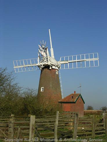 Photograph of Stracey Arms Mill, Halvergate.