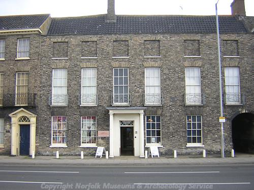 Photograph of the Elizabethan House, Nos 3 and 4 South Quay, Great Yarmouth.