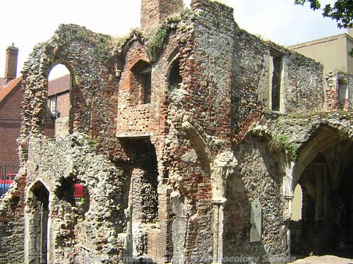 Photograph of the ruins of Greyfriars Cloisters, Great Yarmouth.