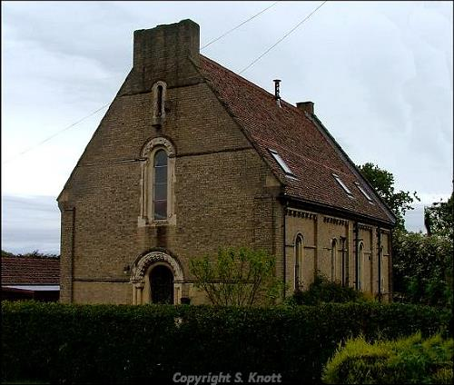 Photograph of St Edmund's Church, Walpole Highway. Photograph from www.norfolkchurches.co.uk