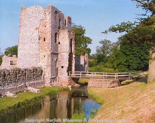 Baconsthorpe Castle inner gatehouse.