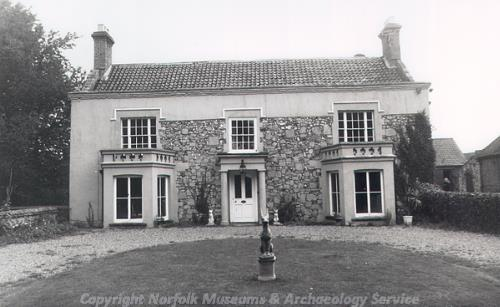 The facade of Rookery Farmhouse, a 17th or 18th century house that was enlarged in about 1800