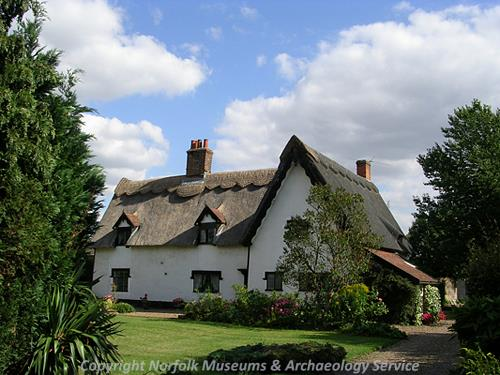 The picturesque Thatched Cottage dates from the 16th or 17th centuries