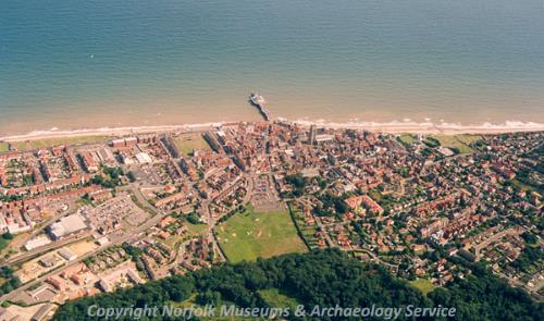 Cromer from the air, showing the pier and the church